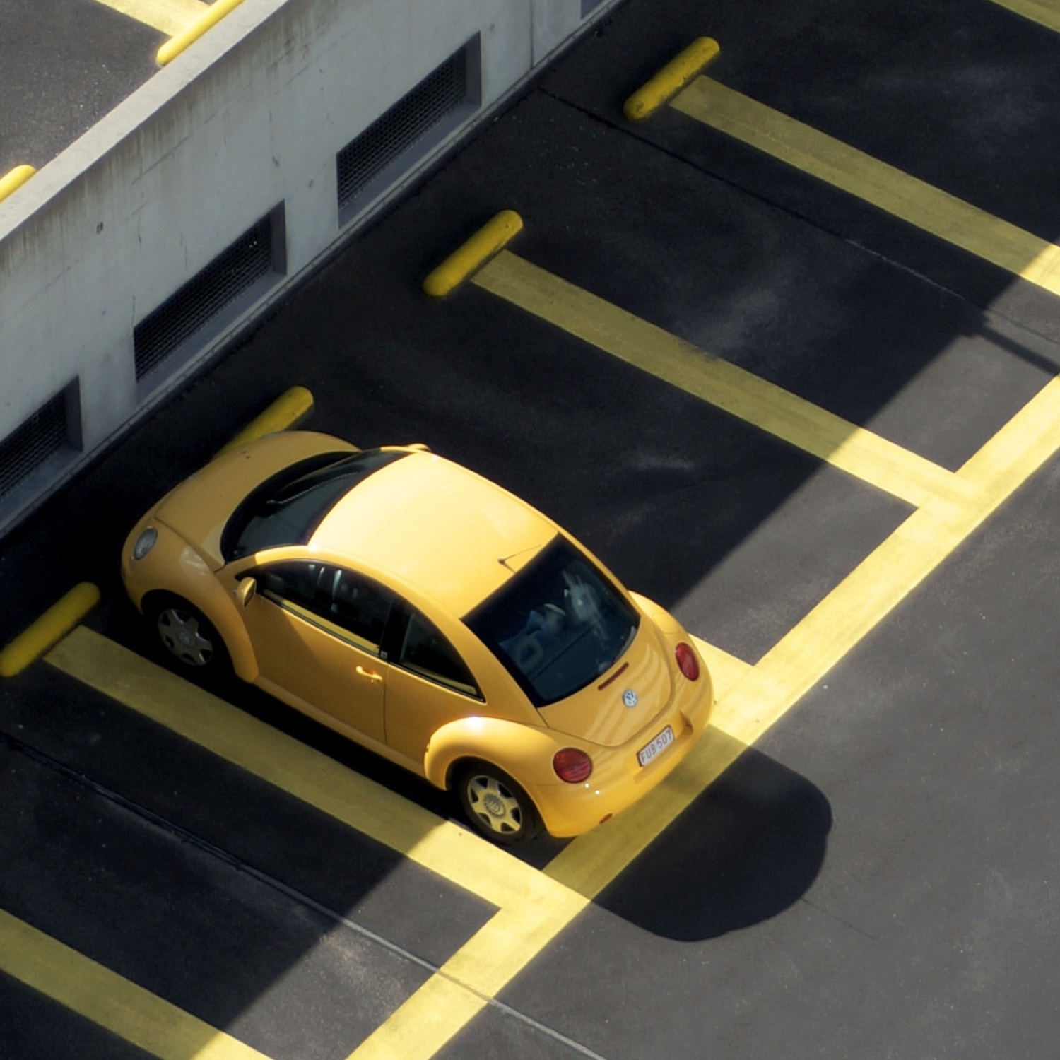 Parking Spots in Aberdeen photo by Raban Haaijk